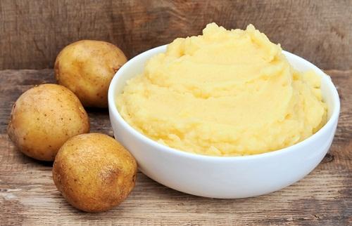 cách trị chàm sữa bằng khoai tây